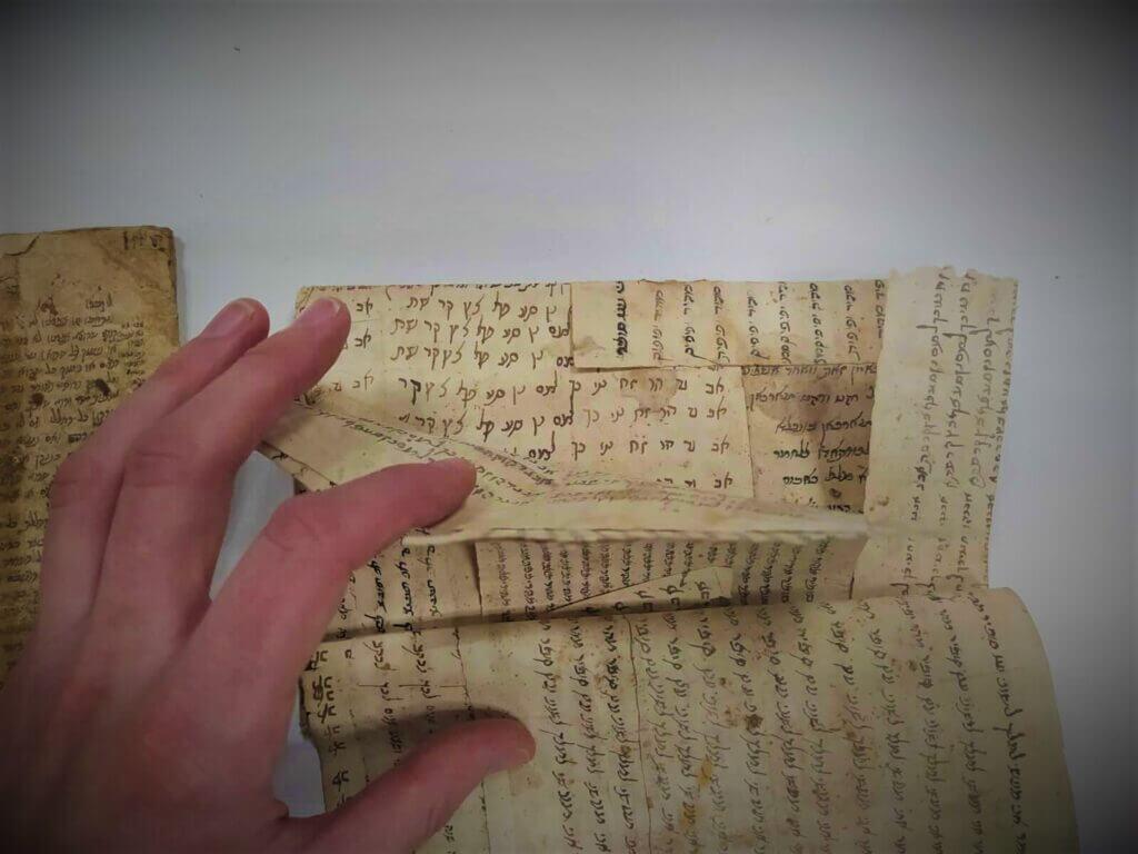 איך היו מכינים כריכות בעבר? סיקור היסטורי מרתק